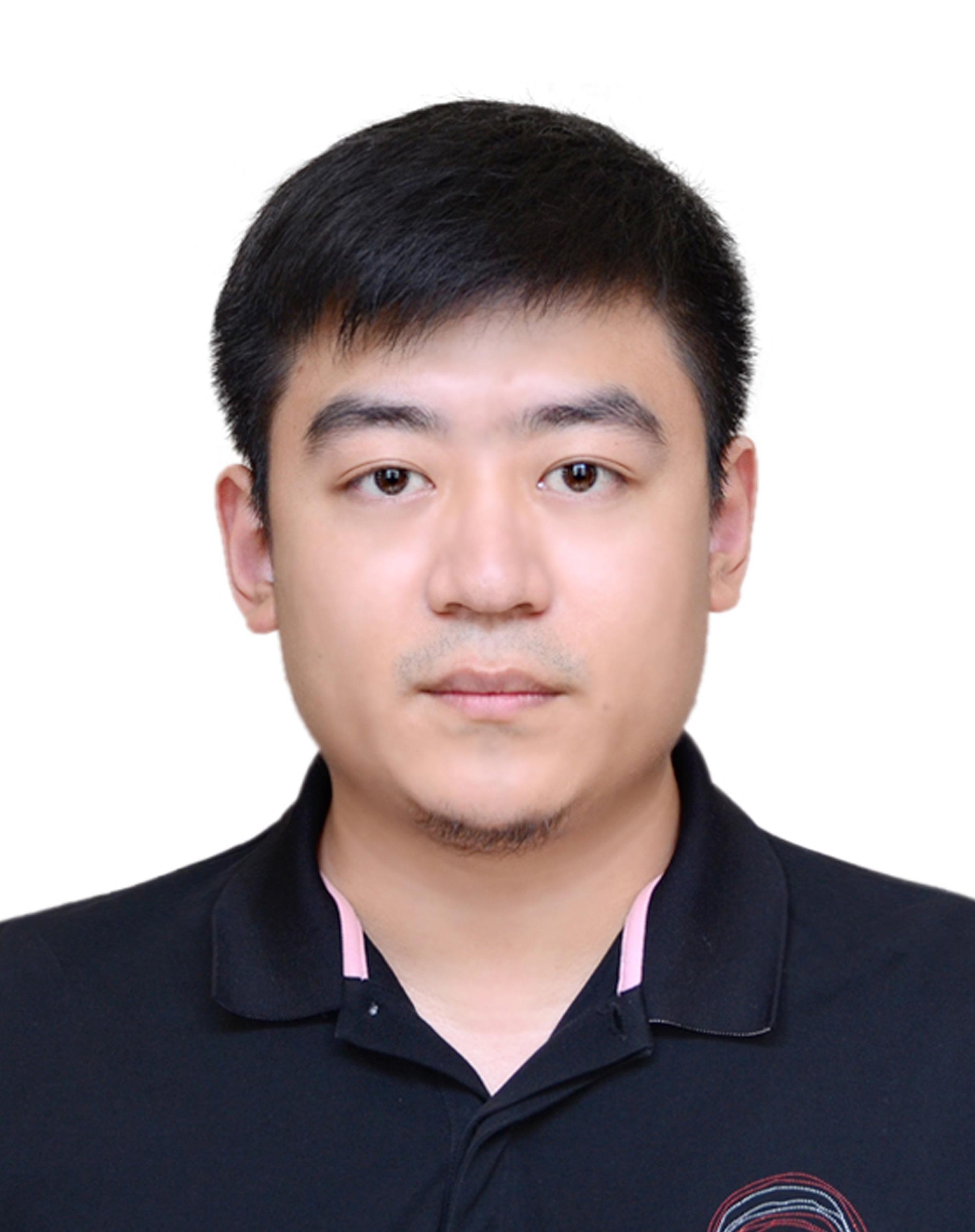 闫龙新设计师