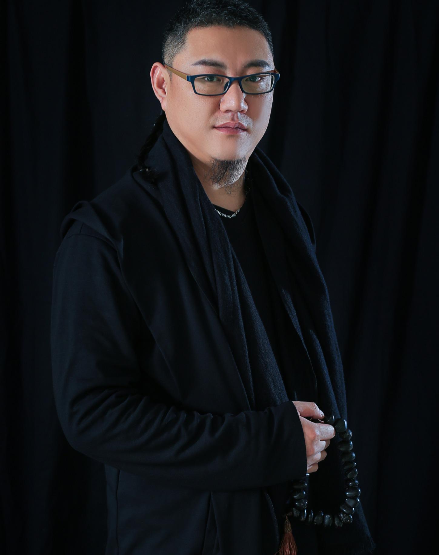 韩坤设计师